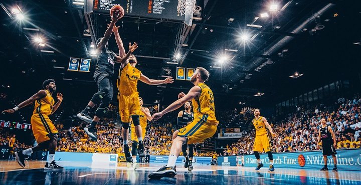 16.05.2017 easyCredit Basketball-Bundesliga Playoffs Spiel 4 :  EWE Baskets - medi bayreuth